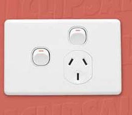 DC_Clipsal_EFX_Power_Outlet_Single_250V_10A_with_Extra_Switch_C2015X.jpg