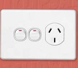DC_Clipsal_EFX_Power_Outlet_Single_250V_10A_with_Extra_Switch_SC2015X.jpg